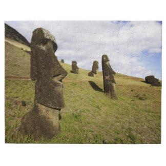 moai_at_rano_raraku_on_easter_island_puzzle-r4402aaf3a8244c3aa409ff04887c5c4d_amb0f_8byvr_324
