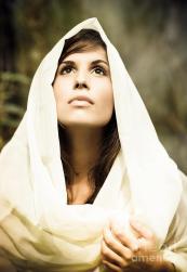 beautiful-angelic-woman-looking-to-the-heavens-joe-fox