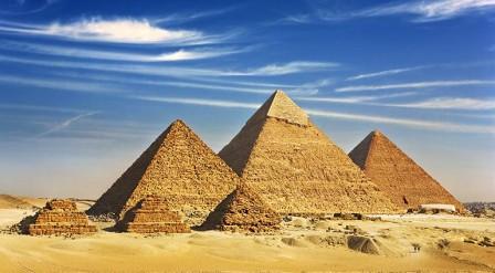 7-wonders-of-the-modern-world-giza-pyramids-ss96622405-vi-770x4251-770x425