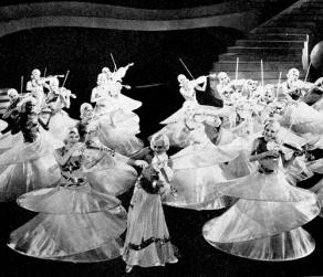 gold-diggers-of-1933-shadow-waltz-berkeley-violin-dance-3a