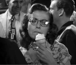 Strangers 7, Miriam's ice cream